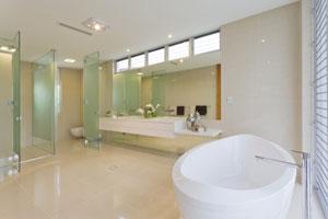 La-couleur-et-l'ambiance-d'une-petite-salle-de-bain